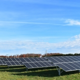Report: An Alternative to Electricity Monopolies Enables Communities to Center People and Planet