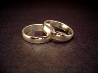 Wedding rings (c) Jeff Belmonte. Published under a creative commons licence