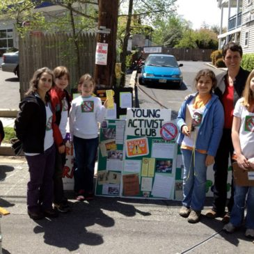 On Earth Day, Young Activist Club Gathers Petitions to Send to Board Superintendent Starr