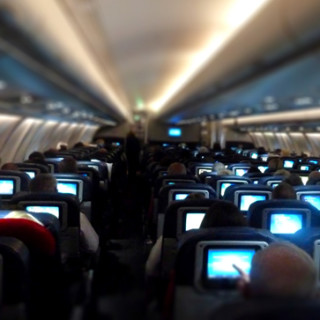 televisions-airplane-seats