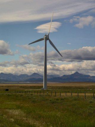 midwest wind turbine - Sylvan Mably via Flickr