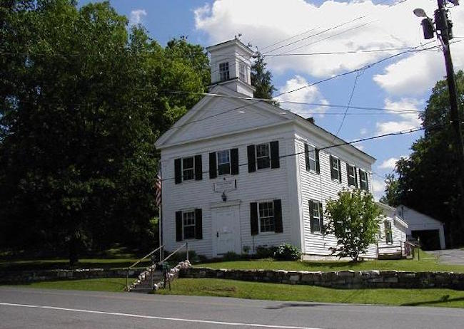 Tiny Massachusetts Town Takes a Stand for Local Internet Access