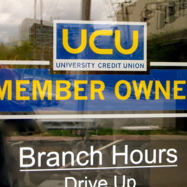 Credit Unions Hang Tough, See Surge in Deposits